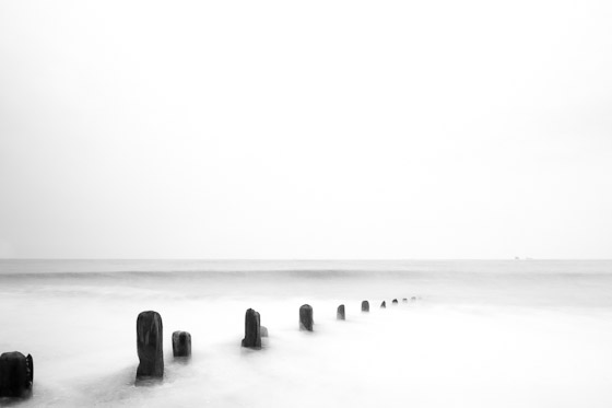 The-lonely-sea-and-sky_20110327